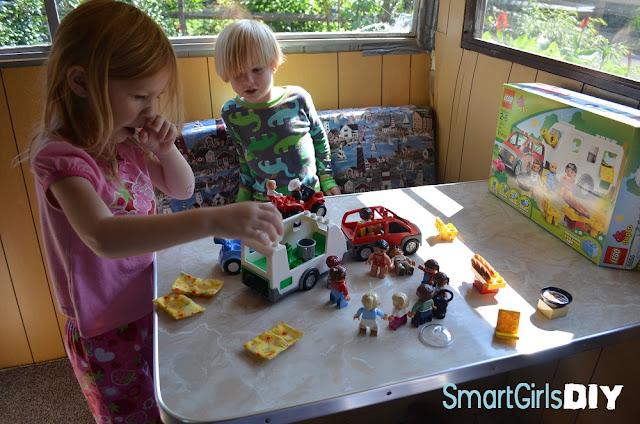 LEGO DUPLO® LEGOVille Caravan 5655.