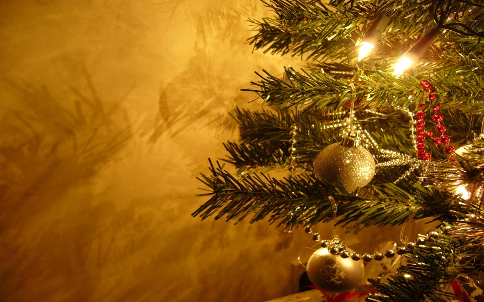 Christmas Tree In Living Room Mac Os X Wallpapers Christmas Computer Wallpaper