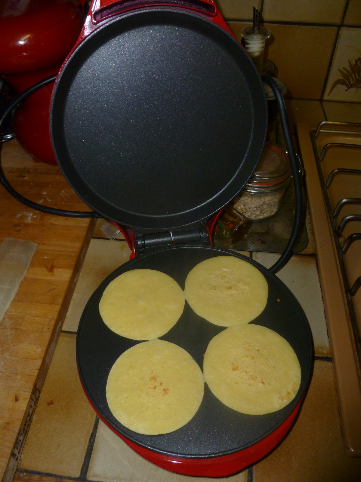 Madhouse Family Reviews Sweet Treats Smiley Pancake Maker