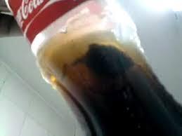 Vídeo: Objetos estranhos encontrados dentro da Coca Cola