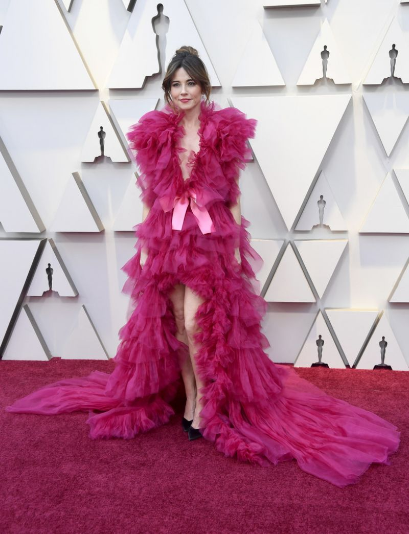 Linda Cardellini – Oscars 2019 Red Carpet