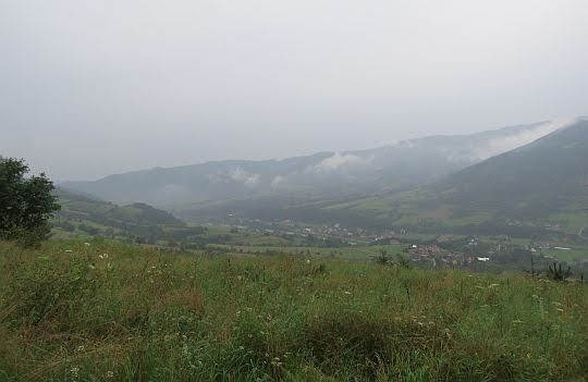 Widok na dolinę Dunajca i Tylmanową.
