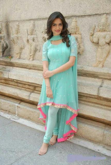 Desi chubby girl with short skirt photo simply