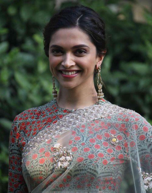 Best Deepika Padukone Wallpapers and Pics