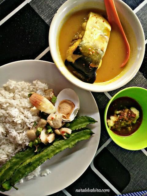 Ikan Patin Tempoyak Terbaik di Kak Nik Patin House Pantai Dalam