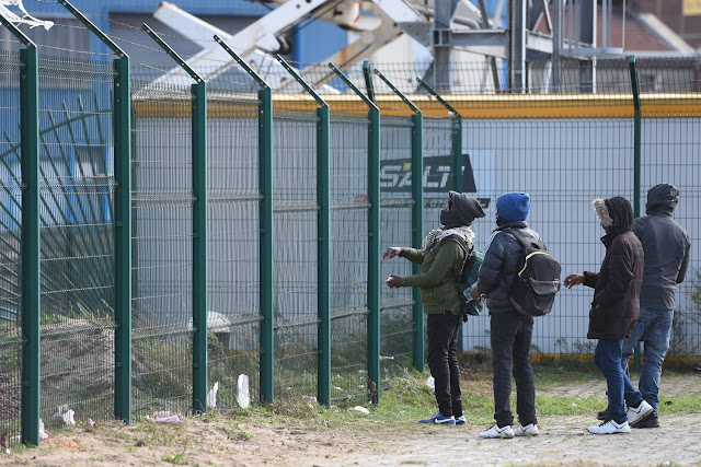 Buongiornolink - Orrore nel centro di accoglienza per migranti di Briatico: nigeriano arrostisce un cane