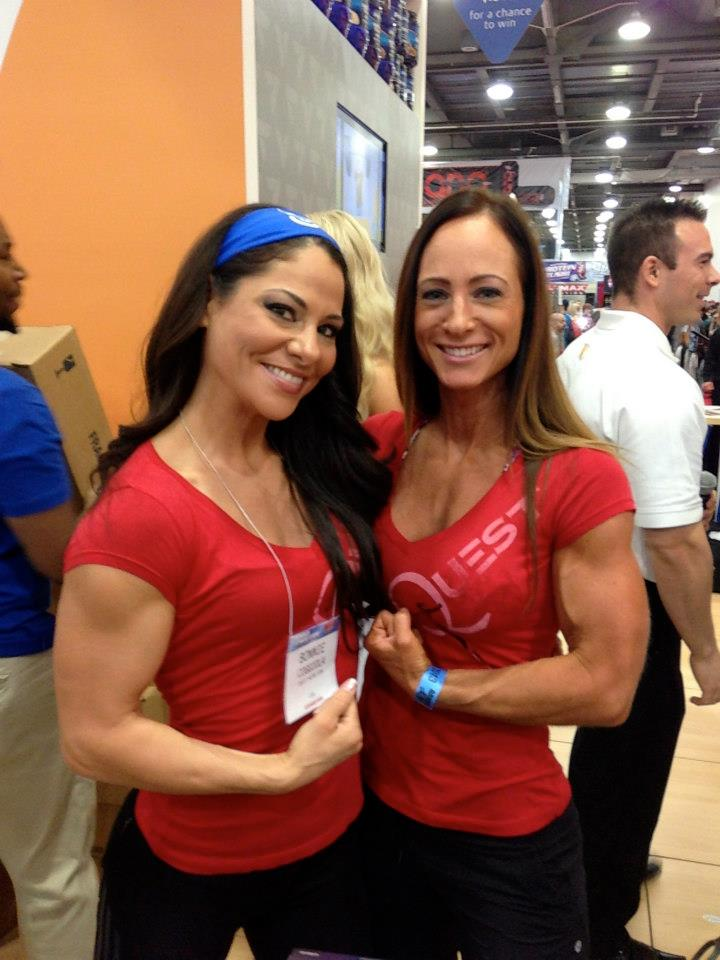 Female bodybuilding Hot muscle women with exceptional abs