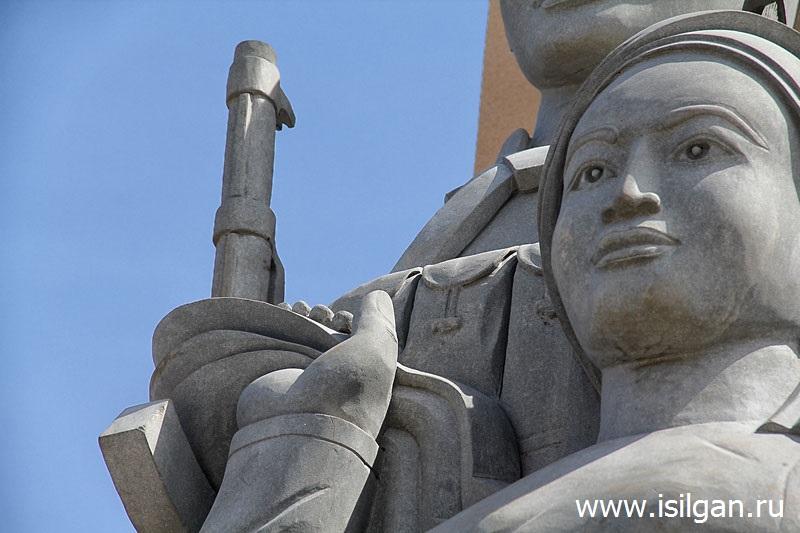 Монумент Дружбы народов Вьетнама и Камбоджи. Город Сиануквиль. Камбоджа