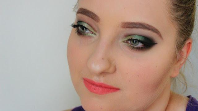 Zielona tęczówka i zielony makijaż oka. Czy to może się udać? BONUS: Podobny makijaż sprzed kilku lat!