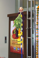 Marath Actrss Urmila Kanitkar Celetes Gudi Padwa in Orange Saree 35.JPG