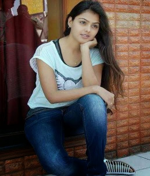 Simple cute Indian Girl photo, Charming Indian Girl photo
