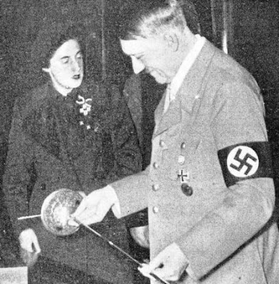 La boda entre Adolf Hitler y Pilar Primo de Rivera