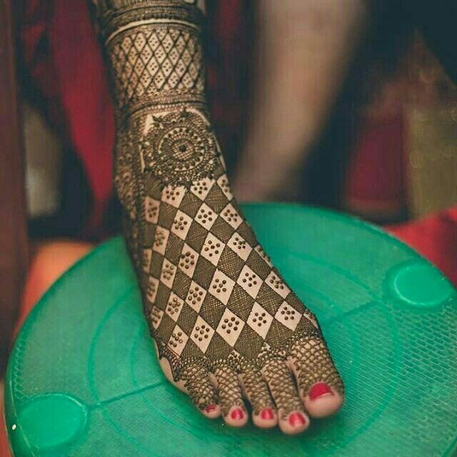 diamond pero ki mehndi design images