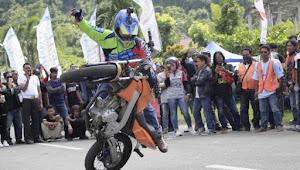 Asyik !!, Atraksi Freestyle Ramaikan Sosialisasi MRSF 2019 di Sumbawa Barat