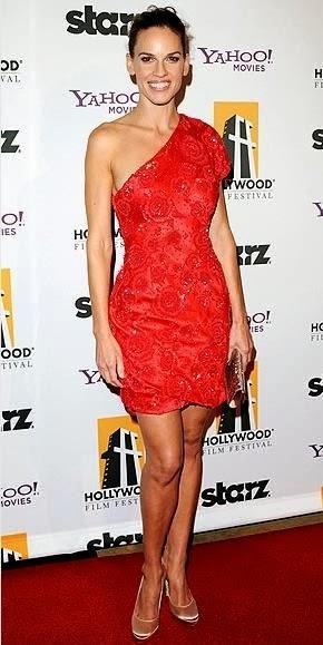 Peinados para fiesta con vestido rojo