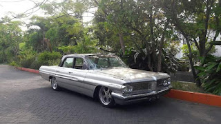 Mobil Antik Kelas Kolektor ...Forsale Pontiac Perisein 1961