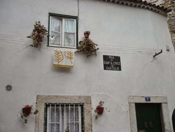 Rua Santa Cruz Lisbona