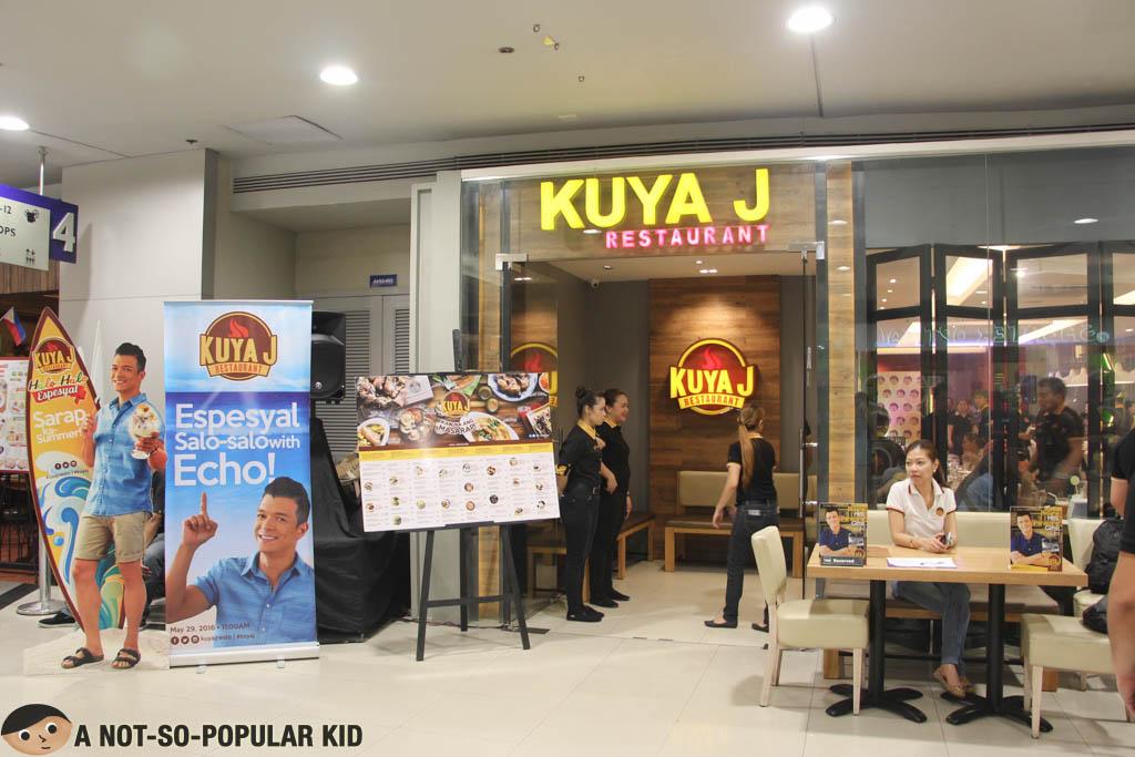 Kuya J's Creamy and Delicious Halo Halo Espesyal - A Not ...