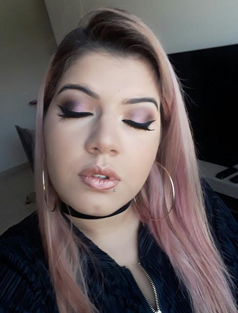 Maquiagem Colorida em tons de Vinho