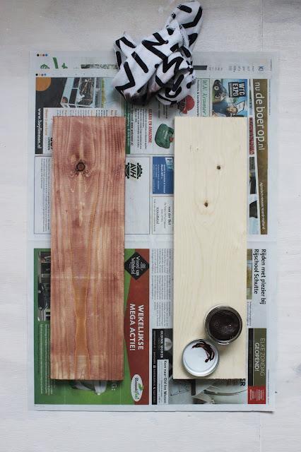Meubelpootjes, DIY, maak je eigen salontafel, kaasplank, salontafel, klussen, stoerwonen, landelijkwonen, interieurstyling, interieur, huisjeaandehaven, oude plank, combitex