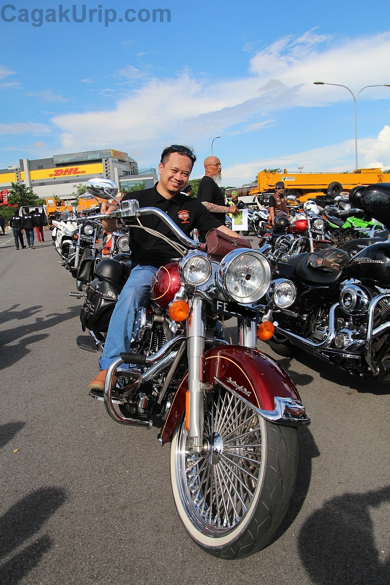 Yang penting pernah naik Harley Davidson