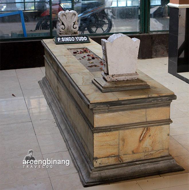 makam raja-raja demak