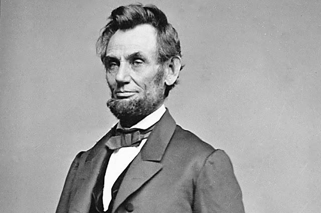 ما هي ديانة الرئيس الأمريكي الراحل ابراهام لينكولن