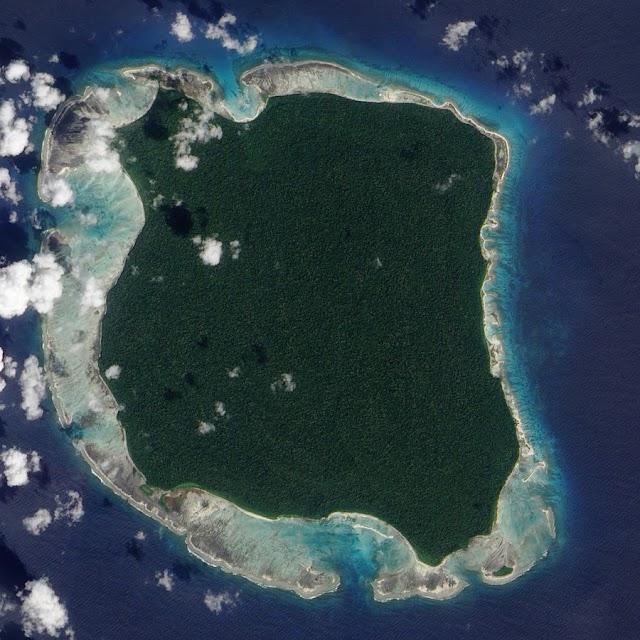 Personas del siglo XXI que viven en el preneolítico; la isla Sentinel del Norte