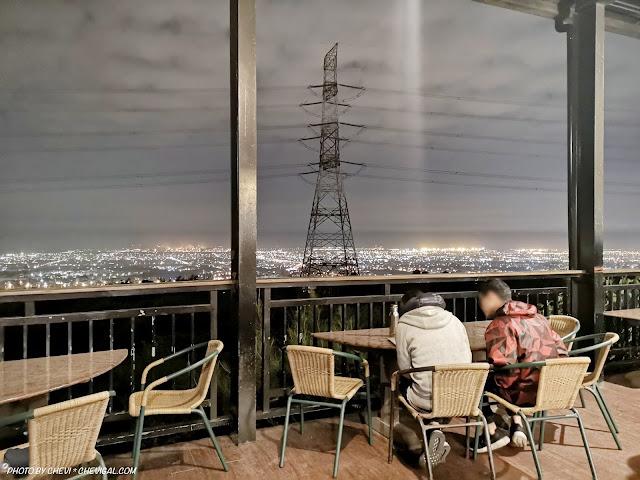 IMG 20181215 223556 - 岳家莊夜景咖啡廳,超隱密遼闊夜景盡收眼底,還有多款桌遊讓你們玩到嗨!