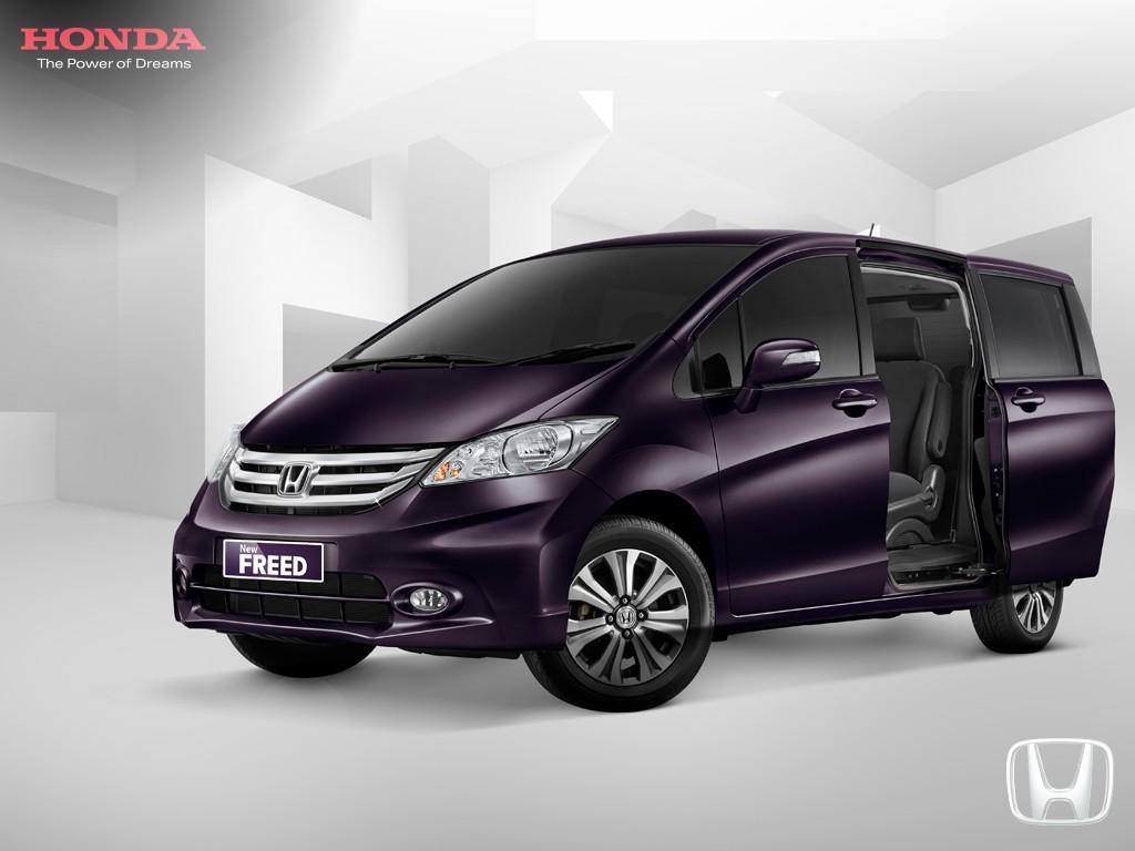Mobil Honda Freed Bandung
