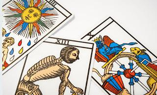 Apprendre le tarot de Marseille  Méthodes de tirage et interpretations.  Incontournable jeu de carte ... a1f10ccc9705