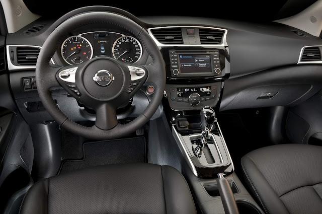 Toyota Corolla x Nissan Sentra 2017 - interior
