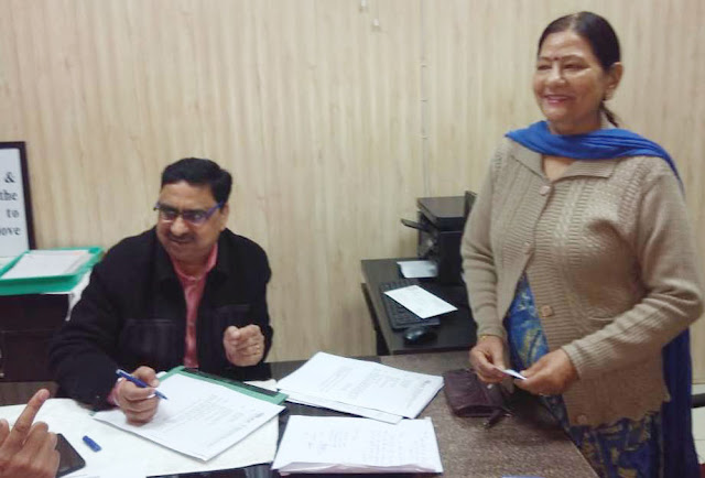 Asha Sharma's effort brought color, open city corporation service center, Sector-37 in Sector 37, happy