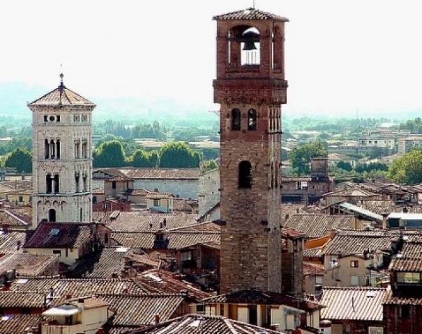 Informações sobre a Torre delle Ore em Lucca