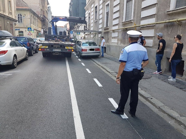 Atentie soferii!.Se ridica masinile parcate pe noile piste de biciclete trasate in centrul orasului
