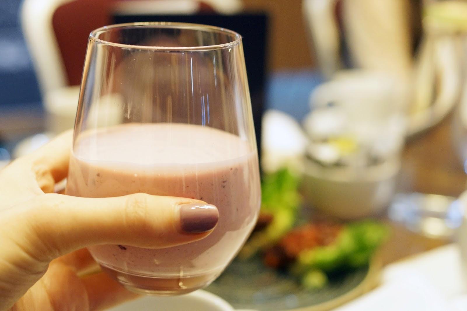 Hello Freckles Afternoon Tea American Sliders Calzone Hilton Garden Inn Sunderland Food Review Milkshake