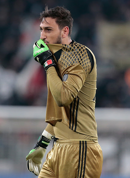 Donnarumma Saga – What's The Hold Up?