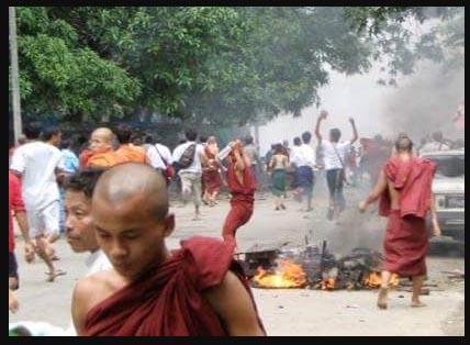 Kebiadaban Biksu Dan Militer Myanmar Harus di Seret Ke Mahkamah Internasional!
