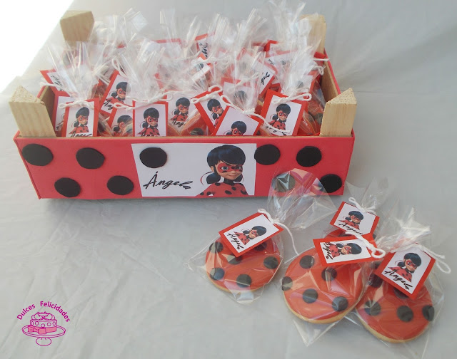 Galletas fondant Ladybug