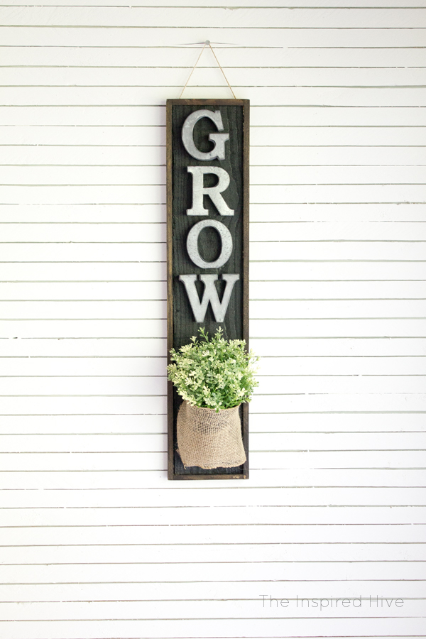 DIY Farmhouse wall planter