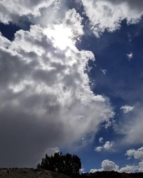 """Il signor Weickum ha detto che il """"pianeta blu"""" non è un riflesso lente della fotocamera"""