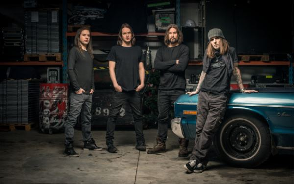 "CHILDREN OF BODOM: Lyric video για το ""My Bodom (I Am the Only One)""  με φωτογραφίες οπαδών"