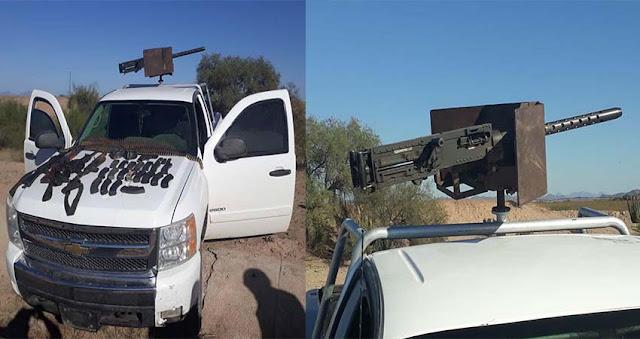 """Localizan camioneta blindada artillada con enorme ametralladora calibre 50 """"lista para la guerra"""" en la frontera de Sonora y Arizona"""