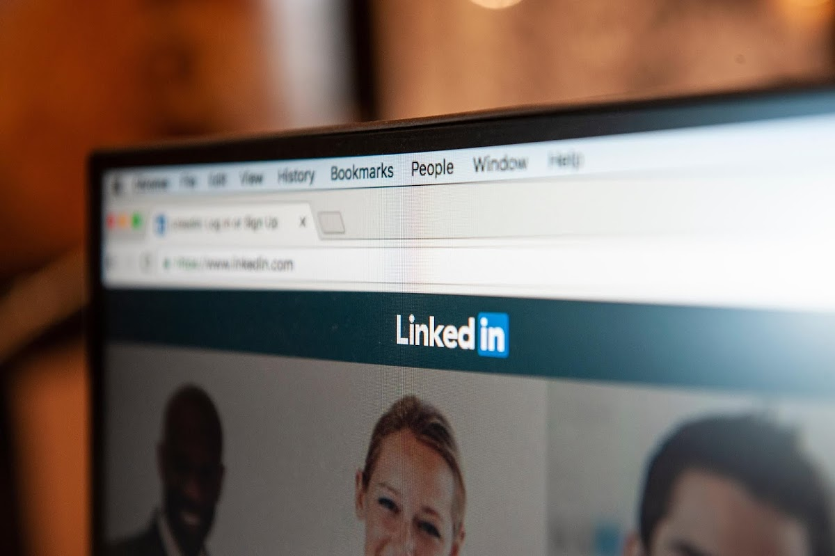 Microsoft's new report suggests that LinkedIn's involvement continues to increase