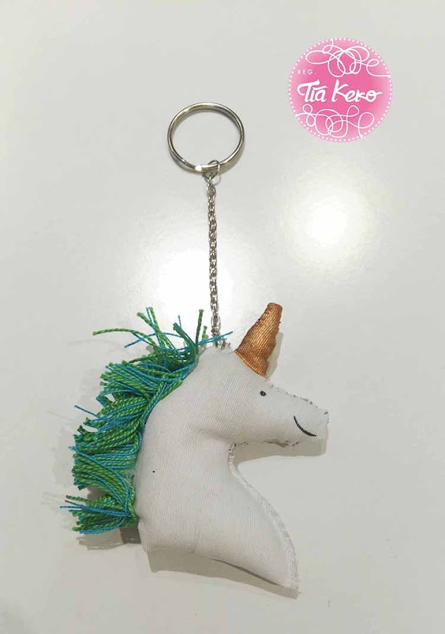 Llavero-unicornio