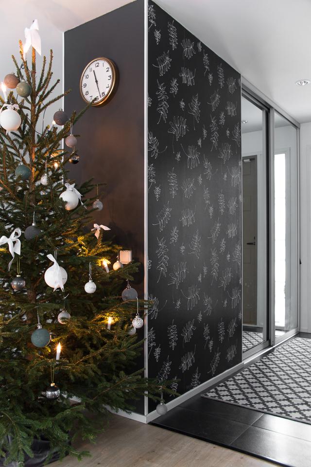 Villa H, joulukuusi, joulu, ideoita jouluun, sisustus, eteinen