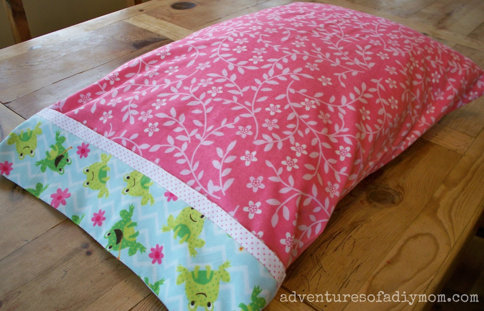 How to Make an Easy Tube Pillowcase with 3 seams