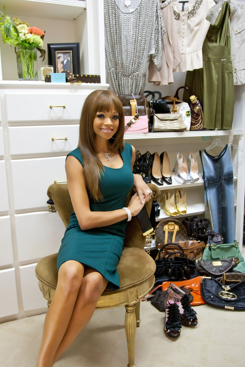 Pat Smith To Consign Clothes For Charity Oh So Cynthia