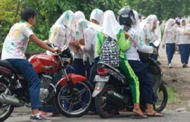 Ehem,,,, Terobosan dari Polisi, Siswa Dilarang Bawa Motor ke Sekolah