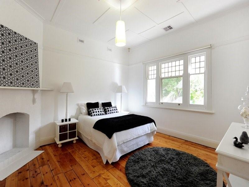 Arredare la camera da letto in stile moderno edilizia in - Letto stile moderno ...